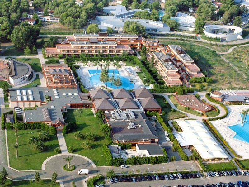 Gran Valentino Village 7 Notti Pensione Completa Dal 15 Luglio