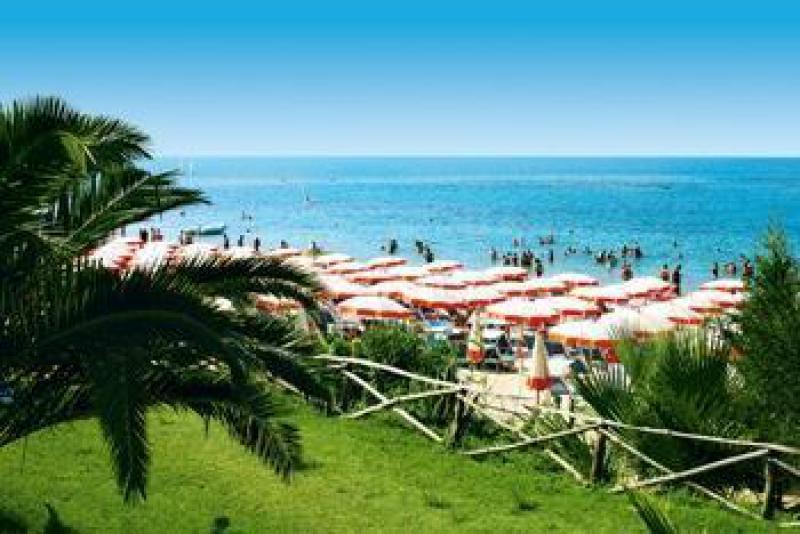 Hotel Club Lipari Pensione Completa 7 Notti dal 10 Agosto