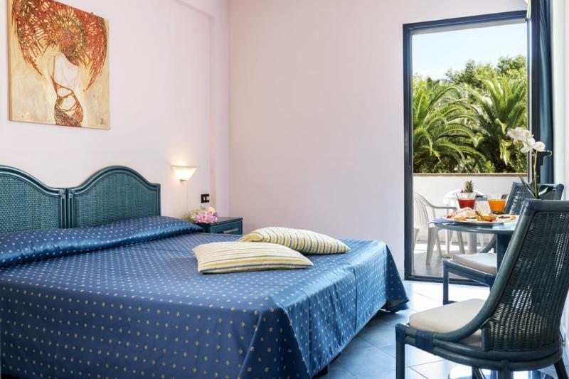 Villa Club Giardini D'Oriente Pensione Completa 7 Notti Dal 17 Giugno
