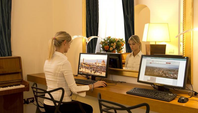 Ponte Immacolata Dal 7 Dicembre Firenze Hotel De La Pace