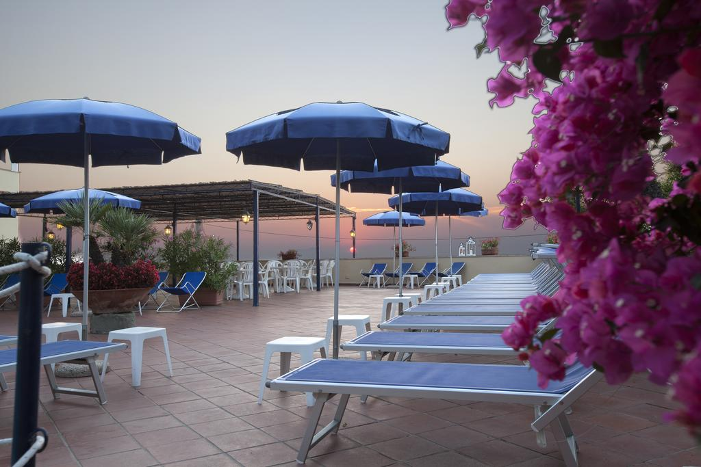 Capodanno a Hotel Piccolo Paradiso 2 Notti dal 30 Dicembre