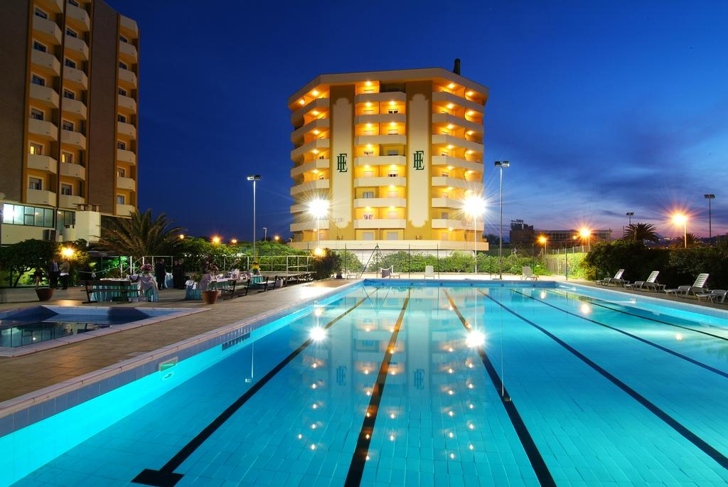 Grand Eurohotel 7 Notti Appartamento Mono a 4 Letti