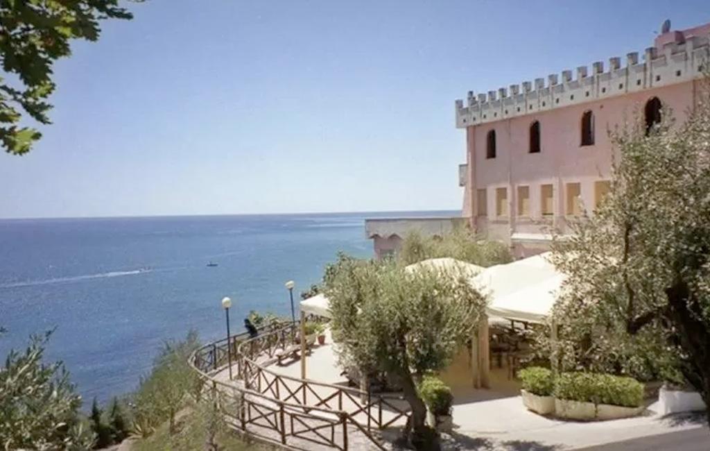 Estate 2021 Hotel Hydra Club 7 Notti Trattamento Pensione Completa