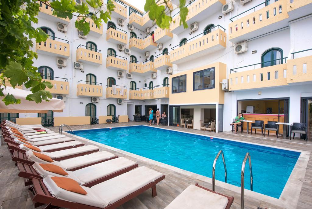 Settimana a Creta con Volo da Napoli Pela Maria Hotel