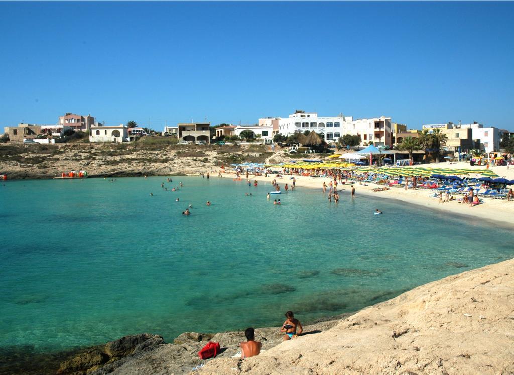 Settimana a Lampedusa con Volo da Napoli Paladini di Francia