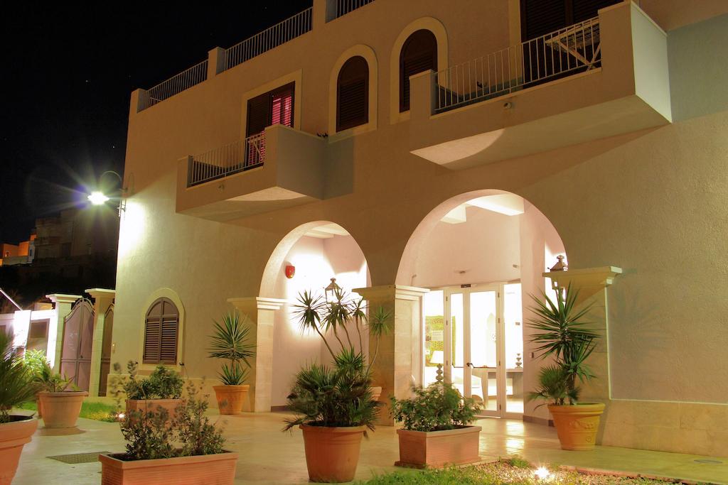 Settimana a Lampedusa con Volo da Napoli Hotel Oscia