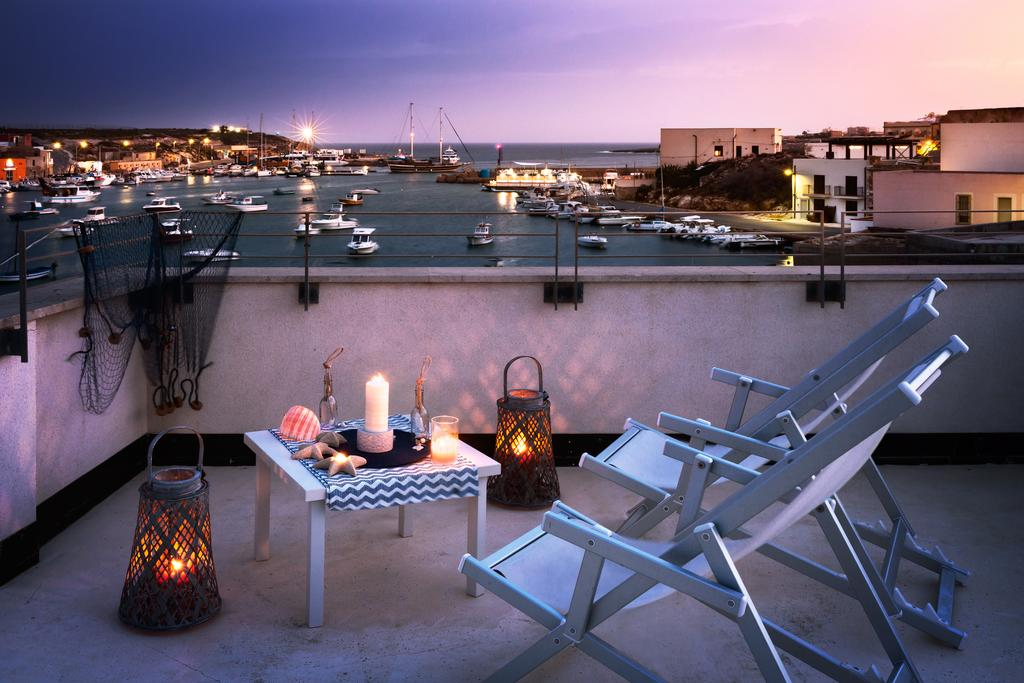 Settimana a Lampedusa con Volo da Napoli Residence Cala Palme