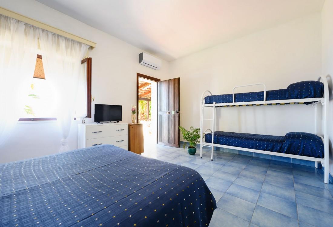 Settimana a Villaggio Stella del Sud e Resort Pensione Completa