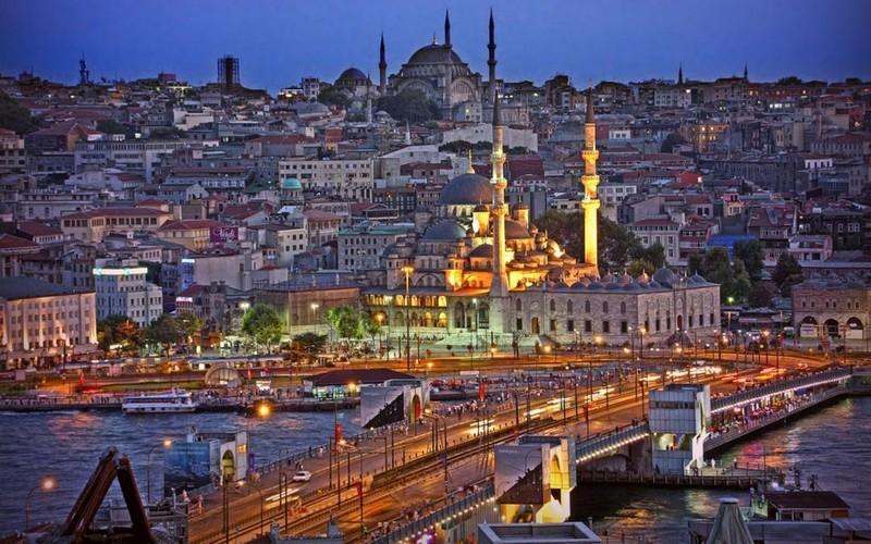 Immacolata ad Istanbul - Hotel Bekdas volo da Roma e Bergamo - Istanbul