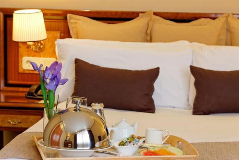 Immacolata a Madrid - BEST WESTERN Hotel Mayorazgo volo da Napoli - Immacolata
