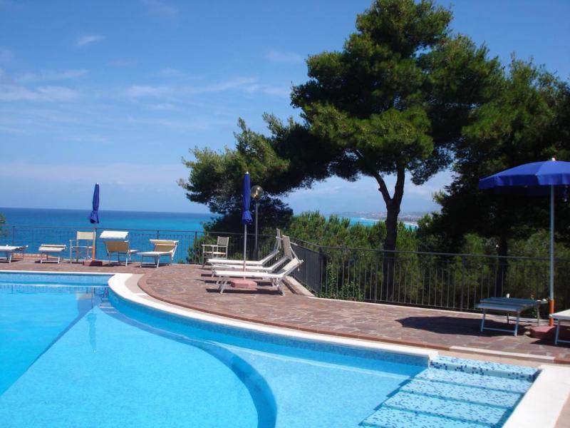 Hotel Club Guardacosta 7 Notti Pensione Completa dal 17 Giugno - Calabria