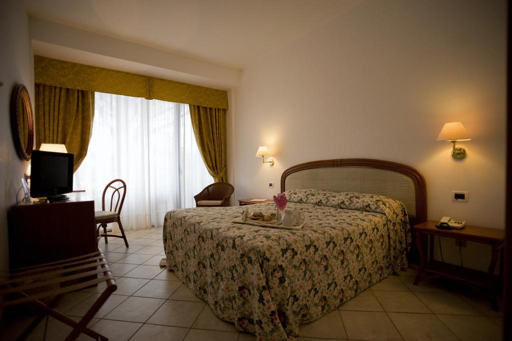Speciale Ponte del 2 Giugno Hotel Sierra Silvana 4 Notti