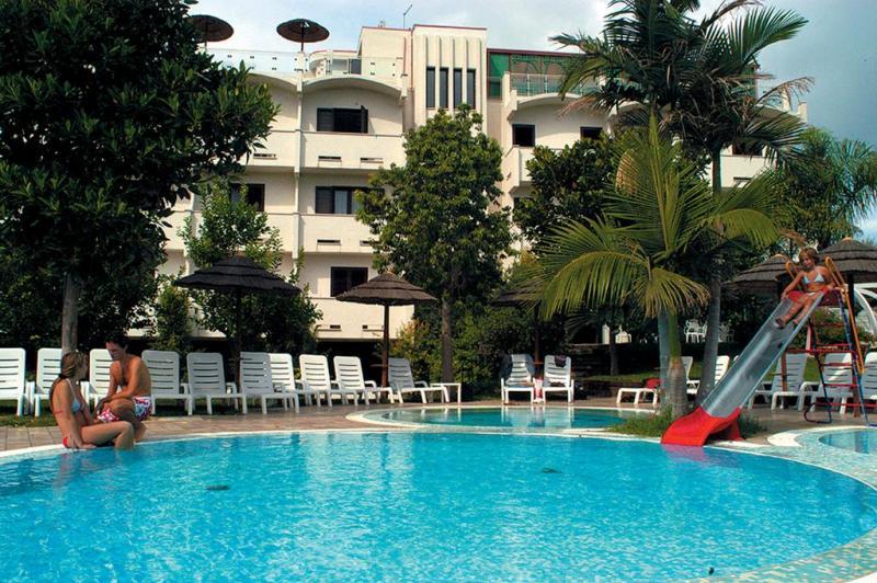 Irresistibili 2019 Park Hotel Valla Clavia 7 Notti dal 6 Luglio - Puglia
