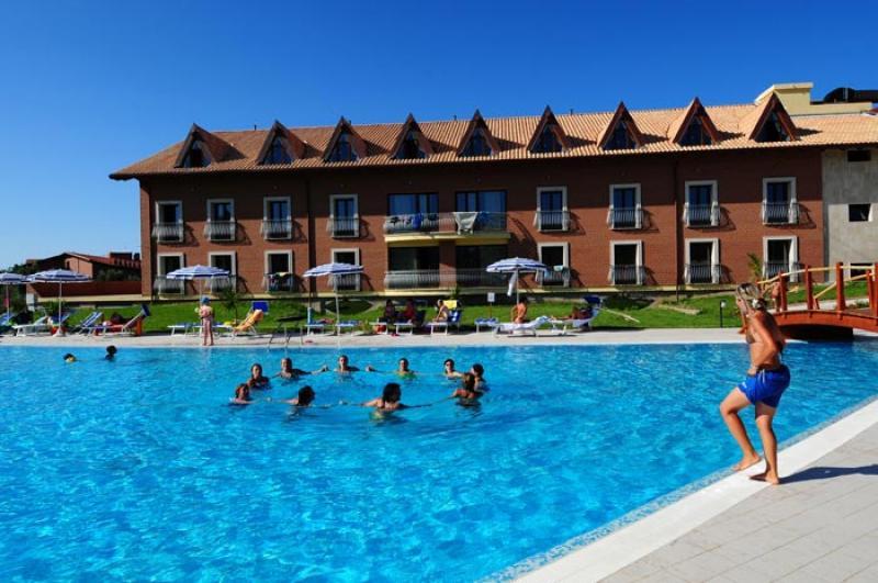 Speciale Famiglia Corte dei Greci Resort Camera Giunone TPL da 25 Luglio - Calabria
