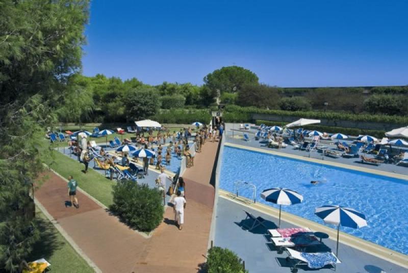 Voi Alimini Beach  Resort 7 Notti Mezza Pensione dal 19 Luglio - Puglia