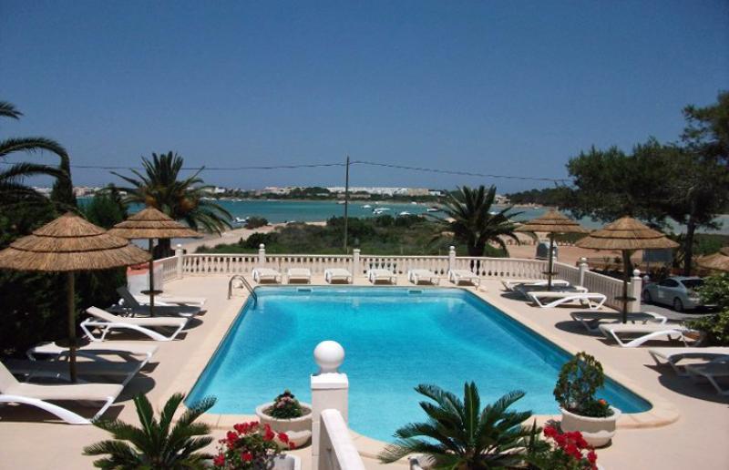 Formentera 7 Notti Hostal Lago Dorado dal 26 Ago al 2 Set Volo da Napoli - Formentera