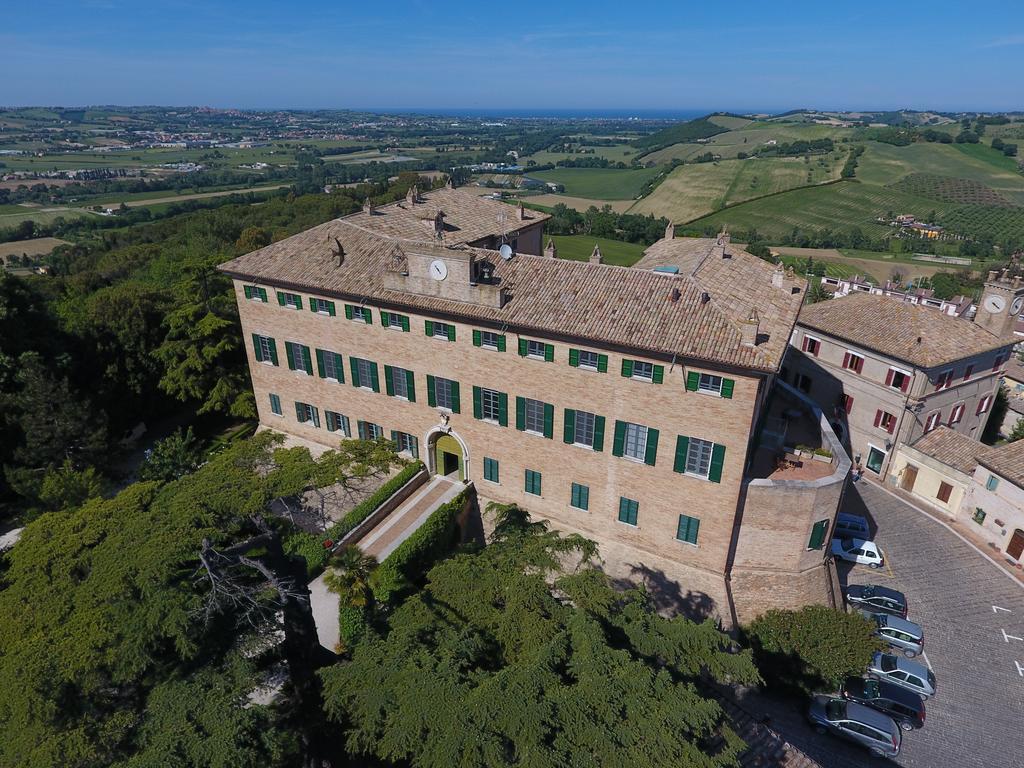1 Notte a Castello Di Monterado con Cena di Tartufo Estivo
