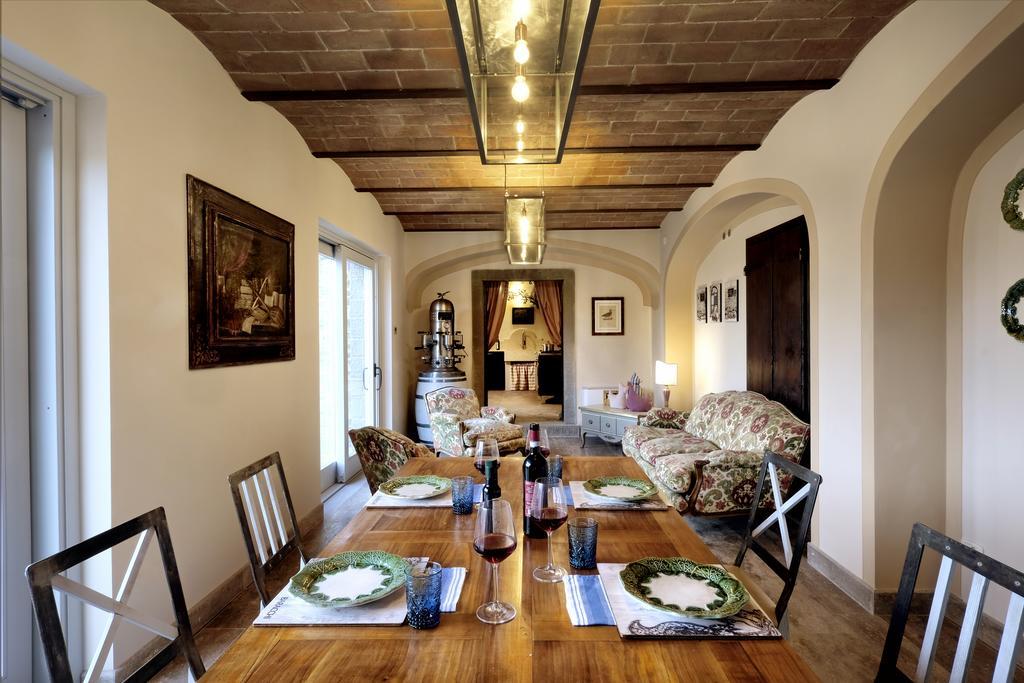 Caccia al Tartufo 2 Notti a Relais & Chateaux Il Falconiere con Pranzo Degustazione e Corso di Cucina sul Tartufo